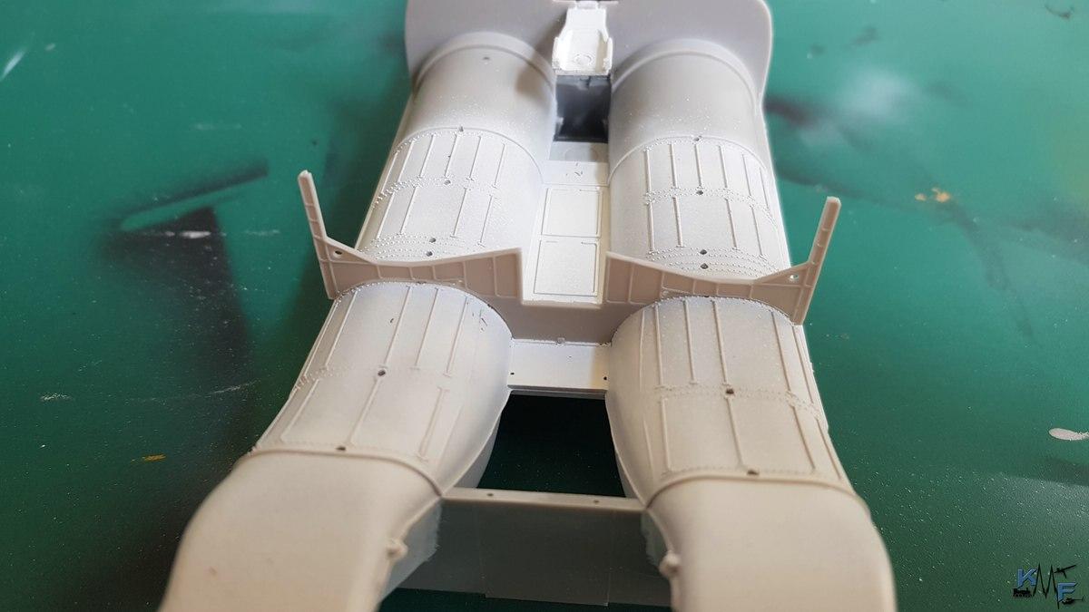 BB-REV-F-18E_013.jpg