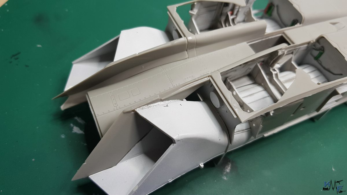BB-REV-F-18E_034.jpg