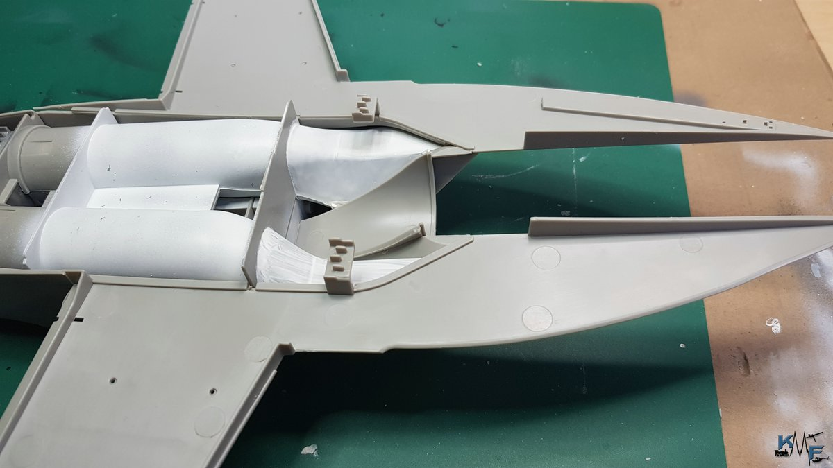BB-REV-F-18E_047.jpg