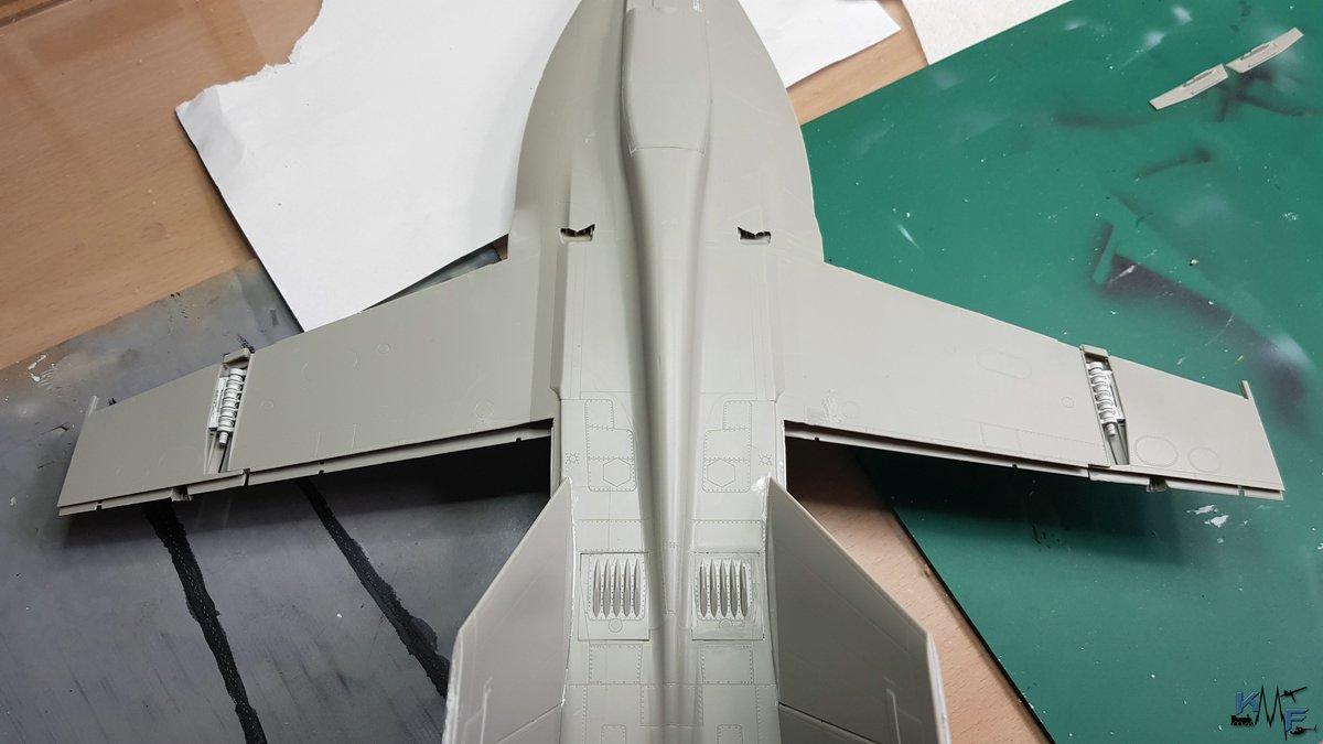 BB-REV-F-18E_150.jpg
